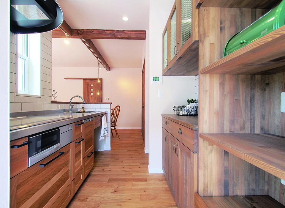 素朴で可愛らしいカフェスタイルハウス02