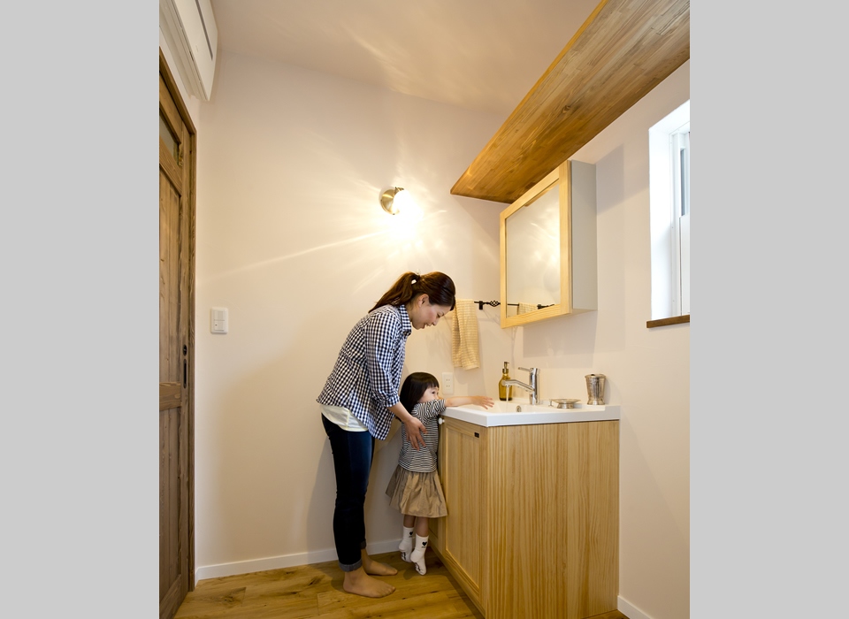 ヴィンテージスタイルの自然素材のかっこいい家01