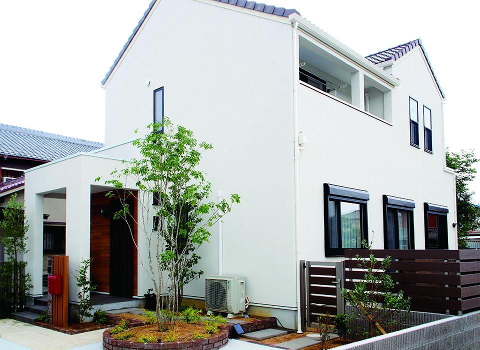 色使いが可愛いカリフォルニアスタイルの家10