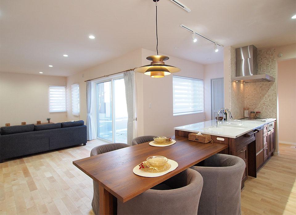 Simple&Naturalな北欧スタイルのお家02
