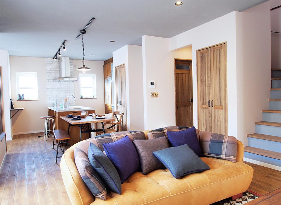 ヴィンテージ家具の似合うカリフォルニアテイストのお家01