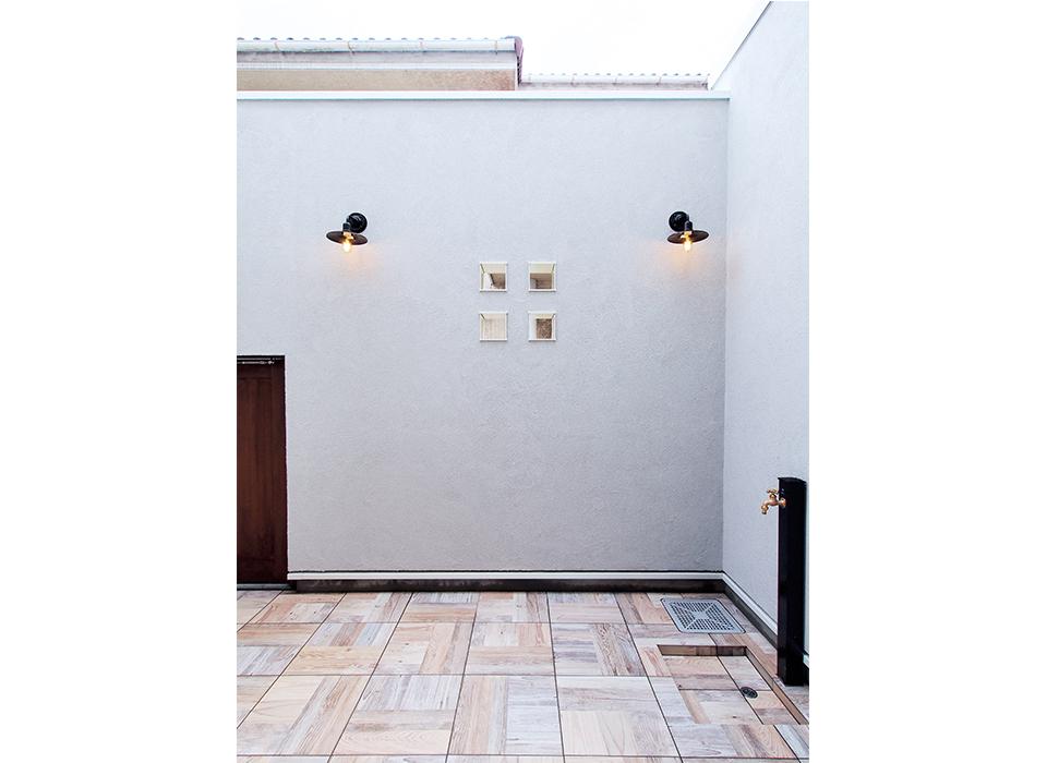 素材感を大切にしたシンプルな家10