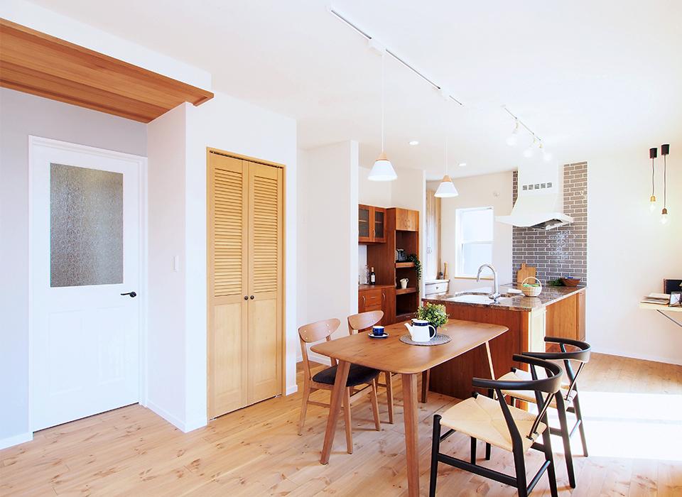 2世帯で暮らす北欧×モダンスタイルのお家10